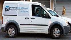 furgoneta de reparto de publicidad barcelona