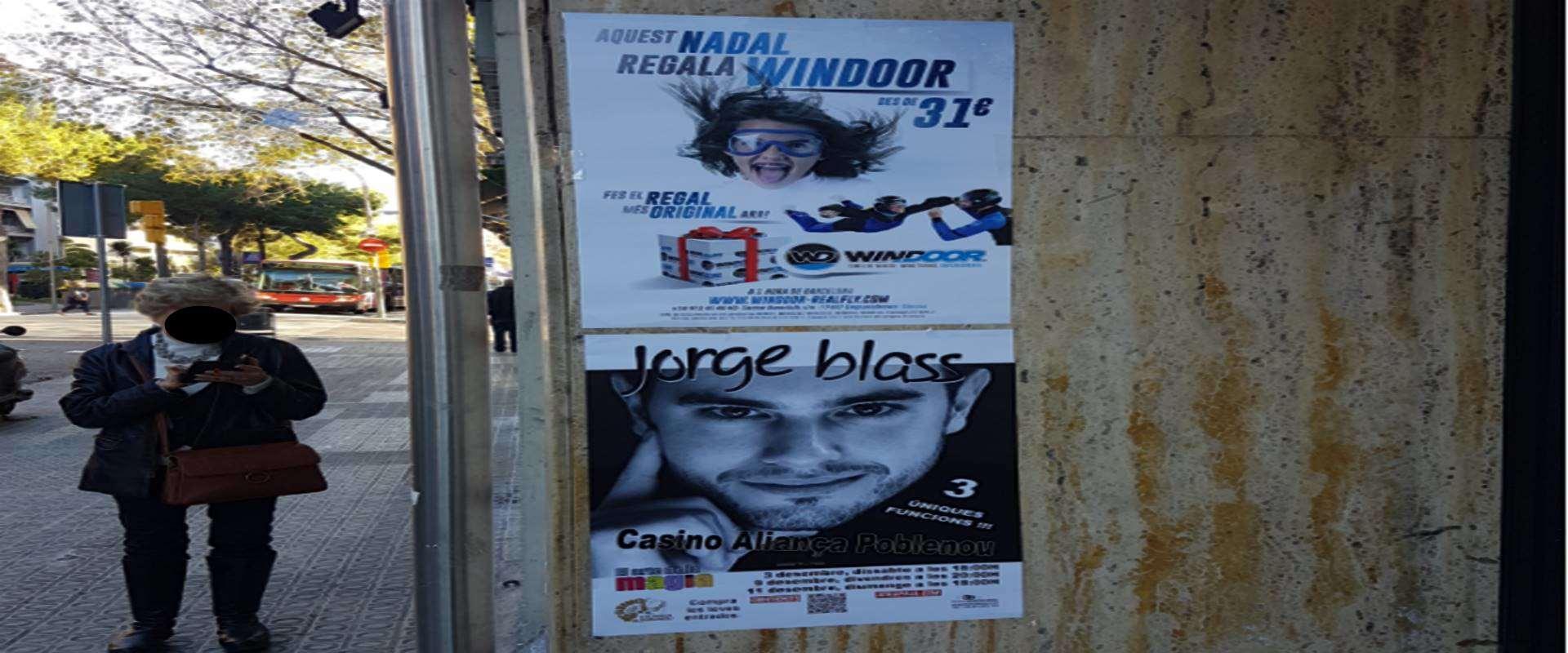 pegada de carteles en barcelona